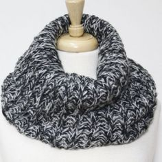Chunky knit neck scarf 100% acrylic chunky neck warmer! Very cute for winter months! Super cozy and warm! I can always ship day of or day after purchase! Price is firm unless bundled! Accessories Scarves & Wraps