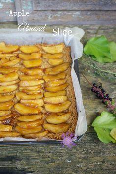 apple almond slice vert