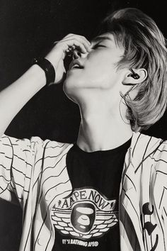 UGH! You better stop that! Bias wrecker! Dammit Lu Han! Y U so perfect