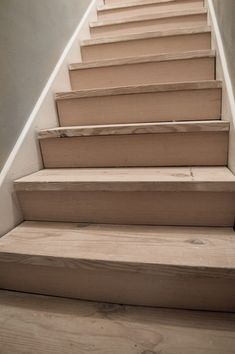 This farmhouse staircase is genuinely a superb design construct. Stairs Makeover construct design FARMHOUSE farmhousestair genuinely Staircase Superb This farmhouse staircase is genuinely a superb design construct. Rustic Staircase, Winding Staircase, Interior Staircase, Staircase Remodel, Curved Staircase, Staircase Design, Staircase Ideas, Removing Carpet From Stairs, Staircase Makeover