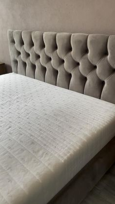 Bed Headboard Design, Sofa Bed Design, Bedroom Bed Design, Headboards For Beds, Bed Cushion Design, Luxury Bedroom Furniture, Bed Furniture, Bed Back Design, Sitting Room Decor
