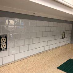 Peel Stick Backsplash, Stick Tile Backsplash, Backsplash Panels, Mosaic Wall Tiles, Subway Tile Backsplash, Stick On Tiles Bathroom, Wallpaper Backsplash Kitchen, Removable Backsplash, Backsplash Ideas