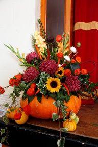 autumn wedding flowers - nice centerpiece