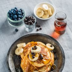 Banana, Maple and Ricotta Cheese Pancakes Recipe from Saputo Breakfast Menu, Breakfast Recipes, Breakfast Ideas, Pancakes Made With Banana, Saputo Cheese, Brunch Recipes, Dessert Recipes, Desserts, Ricotta Cheese Recipes