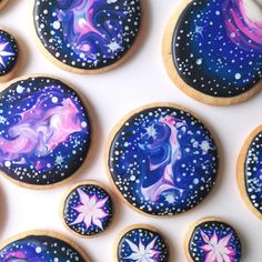 Galaxy Cookies // Sweet Ambs Maya written all over this! Galletas Cookies, Iced Cookies, Cute Cookies, Royal Icing Cookies, Sugar Cookies, Cake Pops, Galaxy Desserts, Galaxy Cookies, Lemon And Coconut Cake