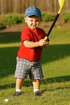 Toddler golf made easy. $6.00 http://www.inchingalonginatoddlerworld.com/ #golf #toddler