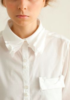 Quirky little fashion details: fabric manipulation on collar + pocket detailing