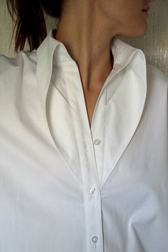 Button up white shirt Collar Designs, Blouse Designs, Dress Designs, Fashion Details, Fashion Tips, Fashion Design, 80s Fashion, Modest Fashion, Korean Fashion
