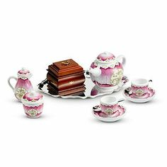 American Girl Felicity's Tea Set by American Girl. $82.99. Felicity's Tea Set for Dolls. Includes 1 teapot with lid;. 1 sugar bowl with lid and 1 creamer with lid,. 1 tea tray and 1 wooden tea caddy.. 2 cups, 2 saucers, and 2 spoons,. Felicity's Tea Set for American Girl Dolls includes a teapot with lid, a sugar bowl with lid, a creamer with lid, 2 cups & saucers, 2 spoons, a serving platter, and a wooden tea caddy.