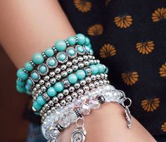 Podem ser usados separadamente Bangles, Beaded Bracelets, Expensive Jewelry, Paparazzi Jewelry, Costume Jewelry, Diy Jewelry, Turquoise Bracelet, Jewerly, Beads