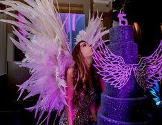 o com tema Victoria's Secret - Constance Zahn Neon Birthday, 18th Birthday Party, Birthday Party Themes, Victoria Secret Party, Victoria Secrets, Birthday Party Checklist, Debut Party, Sweet Fifteen, Baby Shower Purple