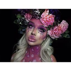 Are you in the market for some new Halloween makeup ideas? We have put together a list of 27 awesome and creepy makeup looks that will certainly turn heads! Cat Halloween Makeup, Amazing Halloween Makeup, Halloween Cosplay, Halloween Make Up, Halloween Ideas, Typical White Girl, White Girls, Ethereal Makeup, Fx Makeup