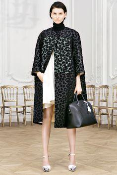 DÉFILÉS PRÉ-COLLECTIONS AUTOMNE-HIVER 2014-2015 Christian Dior  http://www.pinterest.com/adisavoiaditrev/