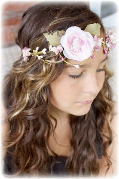 Tutorial: How to Make a Floral Crown