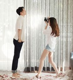 Image in - Couple collection by Stephy on We Heart It Pre Wedding Shoot Ideas, Pre Wedding Poses, Pre Wedding Photoshoot, Korean Wedding Photography, Wedding Couple Poses Photography, Prenuptial Photoshoot, Korean Couple Photoshoot, Photo Poses For Couples, Foto Instagram