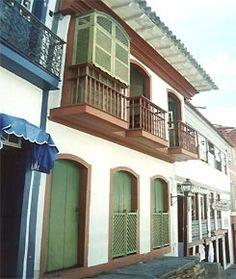 Colonial brasileiro, urbano, com muxarabiê