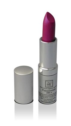 PassionistaMineral Lipstick ideal for pale skin is a vibrant fuchsia with a subtle fuchsia/purple shimmer. When applied to the lips, Passionista adds a high-shine pop of colour. Vegan makeup