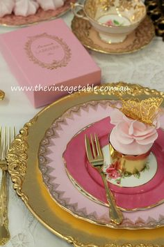 $3.19 USD Gold charger plate available ate http://www.viva-rosa.com/products/gold-acrylic-charger-plate