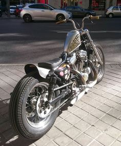 Sporster bobber japan style kustom chain conversion Padu lowbrow supernarrow warriors handmade homemade Shinko E270 velocity stack
