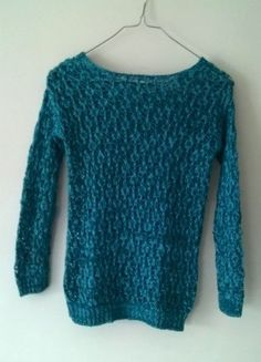 À vendre sur #vintedfrance ! http://www.vinted.fr/mode-femmes/autres-pull-overs-and-sweat-shirts/25551188-pull-a-grosse-maille-bleu-turquoise
