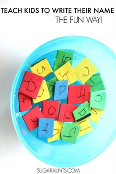 Teach name recognition and letter formation with this sensory name building activity. This is perfect for kids in Pre-K or preschool. Name Writing Activities, Kindergarten Activities, Kindergarten Reading, Preschool Writing, Teaching Writing, Preschool Names, Toddler Preschool, Preschool Crafts, Learning Activities