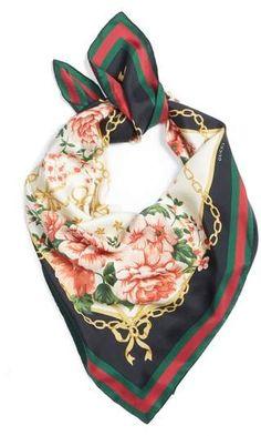 Gucci Rose Chain Foulard Silk Twill Scarf Vierkante Sjaal, Nordstrom,  Schakelketting, Zijde, 964642ba3d7