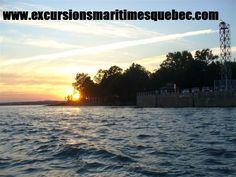 Le coucher du soleil tout près de la Goéliche à l'Ïle d'Orléans.     The sunset near the Goéliche at l'Ïle d'Orléans