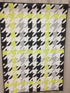 I love me some Houndstooth!  - Modern Quilt Relish