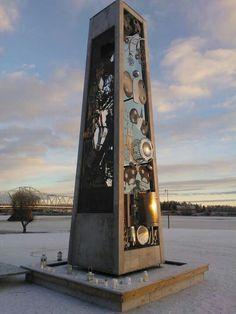 Monumentti Tornionjoen rannalla Finland