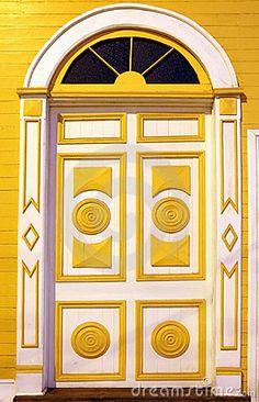 I Love this yellow and white door