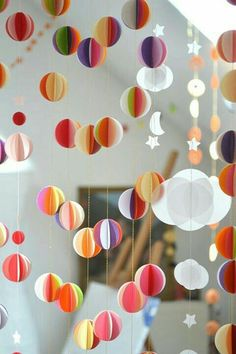 Guirlande papier diy from lou co i am going to use a circle punch guirlande papier diy from lou co i am going to use a circle punch and use my kids art to make the discs gifs packagings pinterest circle punch solutioingenieria Image collections