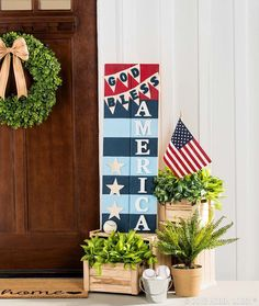 Welcome summer with a sweet sign! To DIY this pallet art: 1) Paint the back side of the wood pallet white. 2) Paint phrase of your choice. 3) Using nails, attach faux foliage-filled basket.