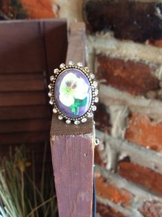 Another retro piece - a ring with a beautiful floral theme