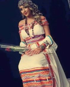 "270 Likes, 4 Comments - Algerie🇩🇿 الجزاير 🇩🇿Algeria (@algeria_wonderful) on Instagram: ""#robeberbère #robe_cabyle #فستان_قبائلي #لباس_قبايلي #لباس_تقليدي_جزائري #لباس_جزائري"""