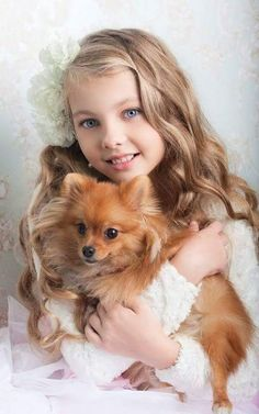 Best Kids Photoshoot themes and ideas - Kid with Pet photo is in trend Dogs And Kids, Animals For Kids, Animals And Pets, Baby Animals, Cute Animals, Beautiful Children, Beautiful Babies, Cute Baby Girl, Cute Babies