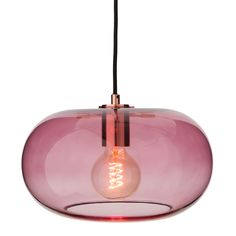 Gefertigt aus Glas und Edelstahl streut die Lampe sanft das Licht und lässt dänisches Design erstrahlen. #urbanara #beleuchtung #lampe #lighting #lamp #design