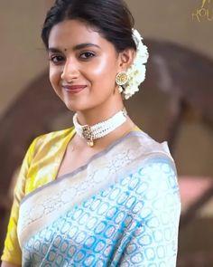 Fancy Sarees, Green Blouse, Indian Beauty Saree, Beautiful Indian Actress, India Beauty, Indian Bridal, Indian Actresses, Blouse Designs, Beauty Women