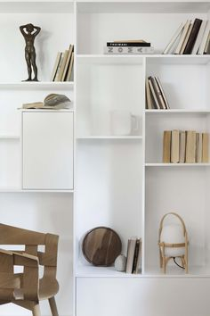 Work for and P. Interior Styling, Interior Decorating, Interior Design, Bookshelves, Bookcase, Designers Guild, Cool Pictures, Beautiful Pictures, House Design