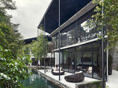 Dog Concrete House | Kuala Lumpur, Malaysia | Architect Kevin Low | photo by Rick Rochowski