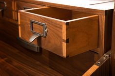 Sultan Gaming Table from geek chic - dovetail drawer sides in primary & secondary hardwoods