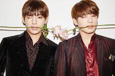 Taehyung/V and Jungkook // Taekook/Vkook Bts Taehyung, Jungkook V, Bts Bangtan Boy, Bts Boys, Foto Bts, Bts Photo, Taekook, Billboard Music Awards, K Pop