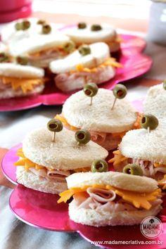Crab and star shaped sandwiches for kids - Sanduíches divertidos para festas infantis - Festa de criança tema fundo do mar Doughnuts, Cereal, Printable Cards, Fiestas, Corn Flakes, Breakfast Cereal