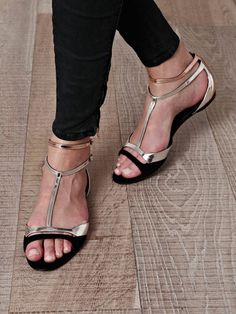 Tendance Chaussures  MATCHESFASHION.COM  Tendance & idée Chaussures Femme 2016/2017 Description Heels and other womens shoes: http://ift.tt/2b9Hq7A