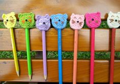 Crochet pencil toppers for cat lovers, like me. Don't forget to enter my giveaway until October 23, 2013.