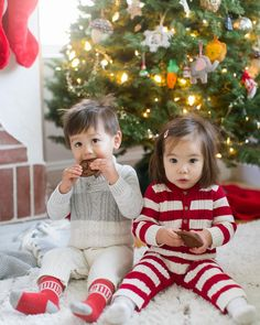 Merry Christmas from Leo and Ella! These two are starting their morning off right with breakfast cookies.  #leoandella
