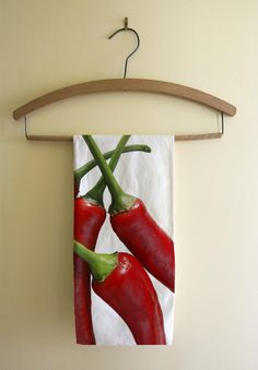Red chilli peppers kitchen tea towel cotton twill by NewCreatioNZ Fruit Kitchen Decor, Red Kitchen, Kitchen Ideas, Red Chili Peppers, Red Chilli, Southwest Decor, Stuffed Hot Peppers, Tea Towels, Decorating Your Home