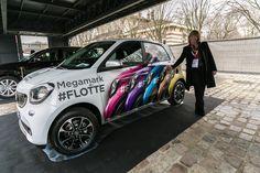 #Car #wrap of a #SMART CAR by #Megamark -Marquage adhésif , flocage et stickage d'une SMART, Groupe Como, concessionnaire smart à Paris et en Ile-de-France :
