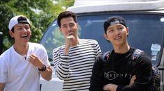"""Song Joong Ki, Jo In Sung, and Im Joo Hwan Cheer on Lee Kwang Soo on """"Running Man"""""""