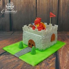 Ritterburg mit Drachen | Knight's castle with dragon