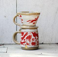 Gießen über Kaffeemaschine, Kaffeetasse, keramische Salzwasserbewohner und Becher-Set